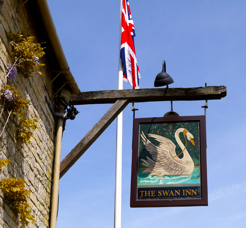 The Swan Inn, Swinbrook
